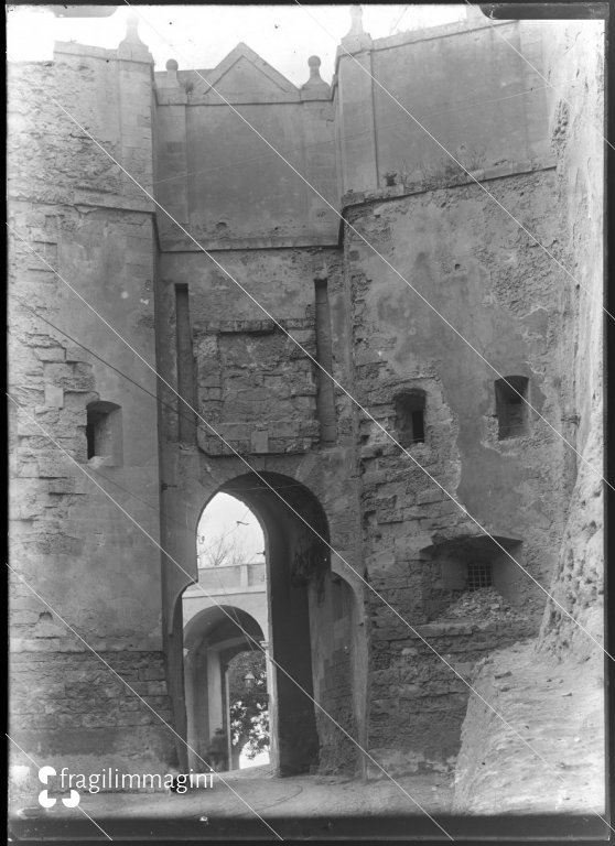 Cagliari, Porta de S'Avanzada o d'Apremont