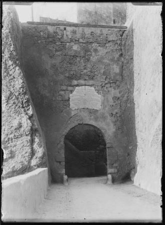 Cagliari, Porta detta de S'Avanzada o d'Apremont